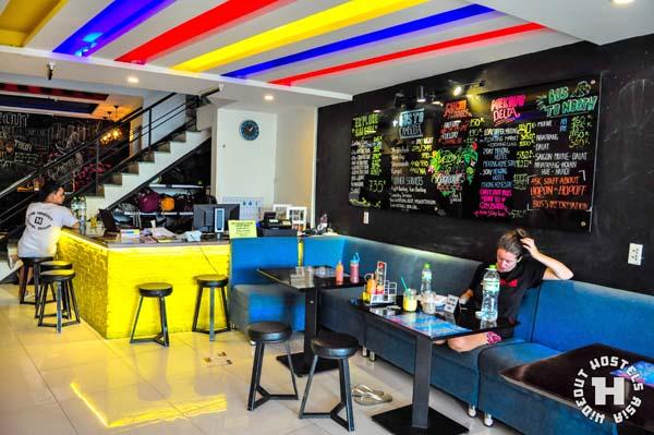 hangout-hostel-saigon